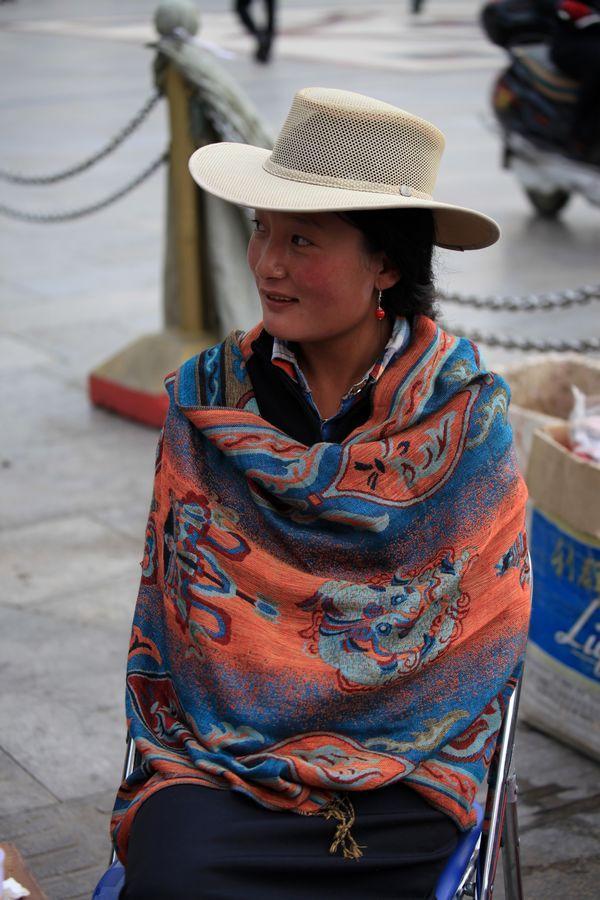 【原创】拉萨街头拍美女 人像摄影